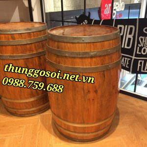 bàn thùng rượu trang trí quán bar nhà hàng