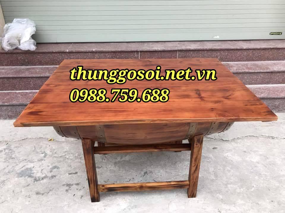 bàn ăn nhà hàng làm từ thùng rượu gỗ