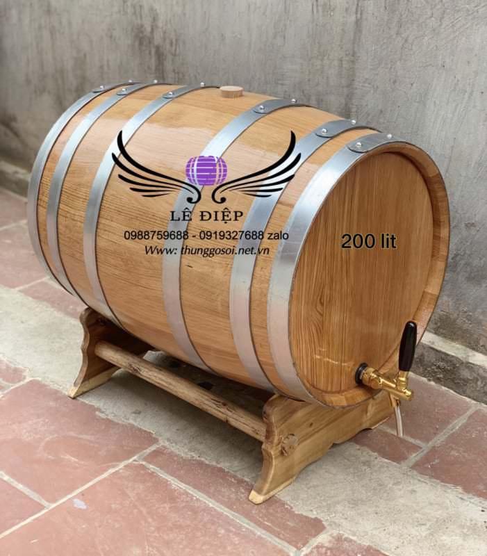 thùng rượu vang