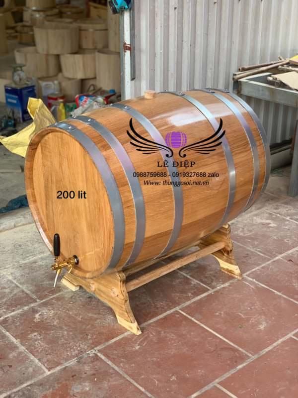 thùng sồi ngâm rượu