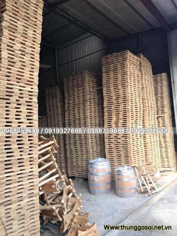 xưởng thùng rượu gỗ sồi