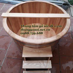 bồn tắm gỗ sồi hai người tắm