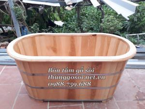 bồn tắm gỗ sồi dài bo viền