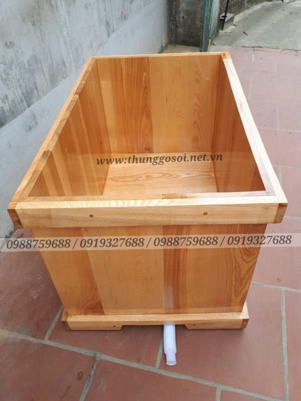 bồn tắm gỗ hình vuông