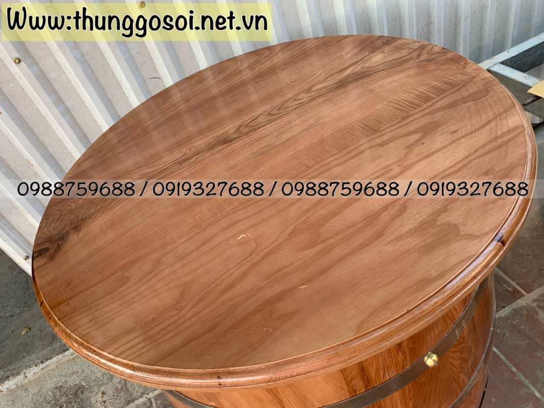 Bàn ghế quán bar làm từ thùng gỗ sồi