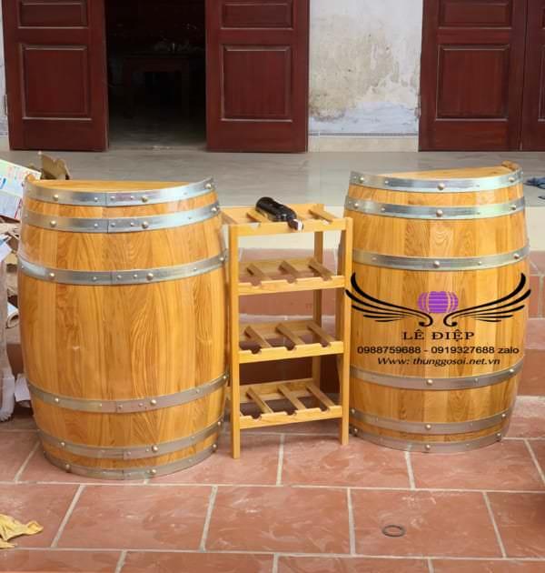 quầy bar bằng thùng rượu