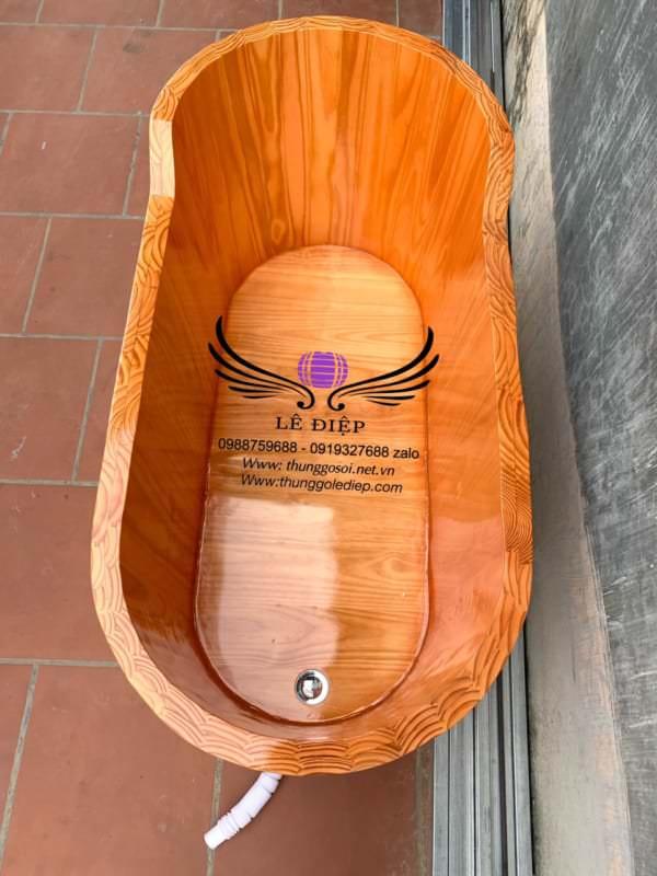 bồn tắm bằng gỗ tại cơ sở sx Lê Điệp