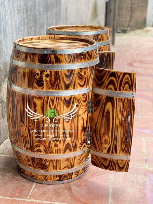 bàn gỗ trưng bày